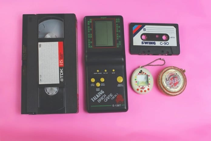 Tamagtochi, VHS tapes and cassette tapes